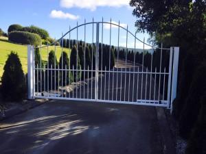 gates-300x225