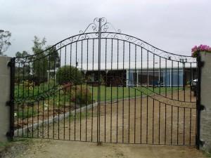 gates14-300x225